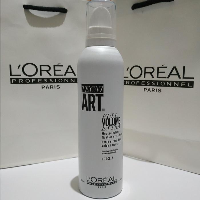 Mousse tạo độ phồng cho tóc Loreal Tecni art Full Volume Extra 250ml