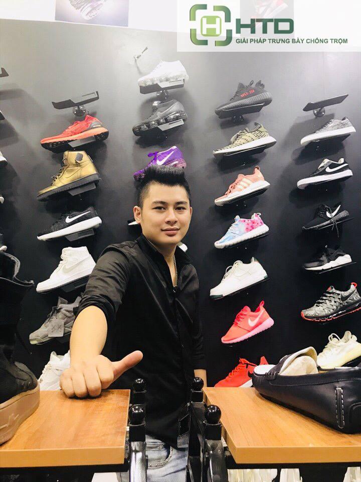 Giá kệ trưng bày giày dép cho shop thời trang năm 2019 - 5