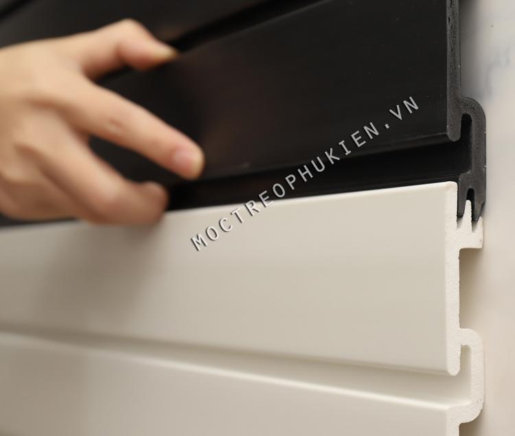 tấm slatwall PVC