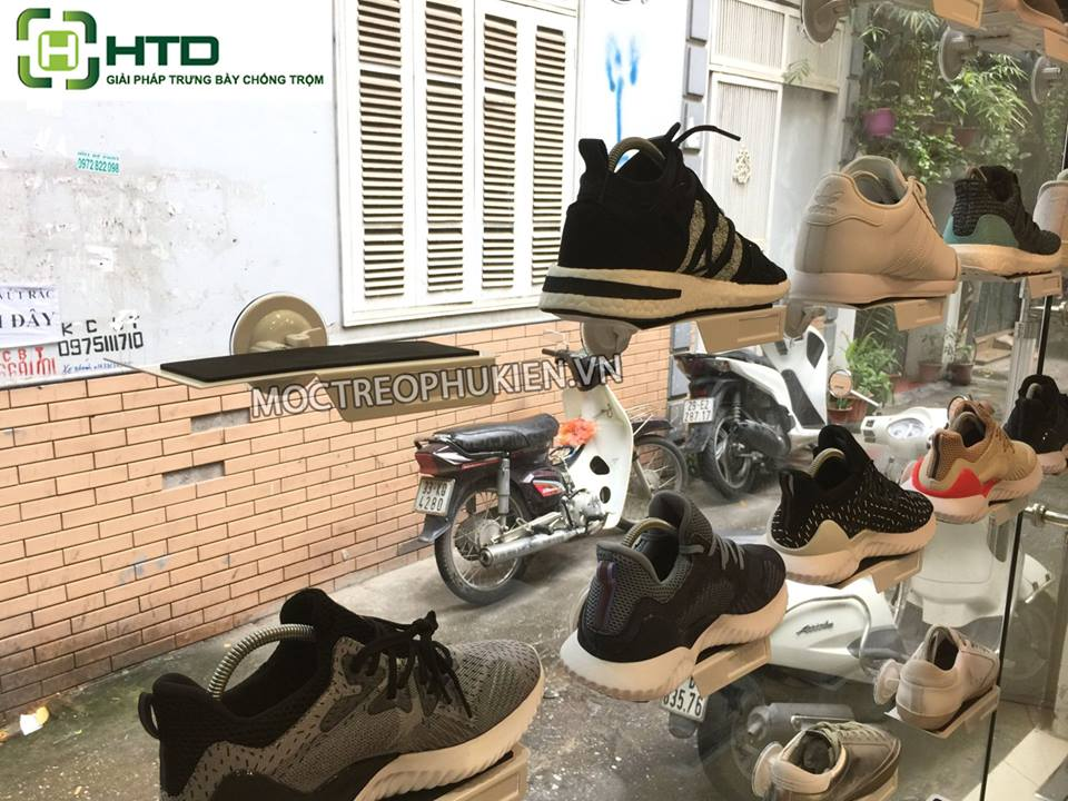 kệ trưng bày giày hít kinh