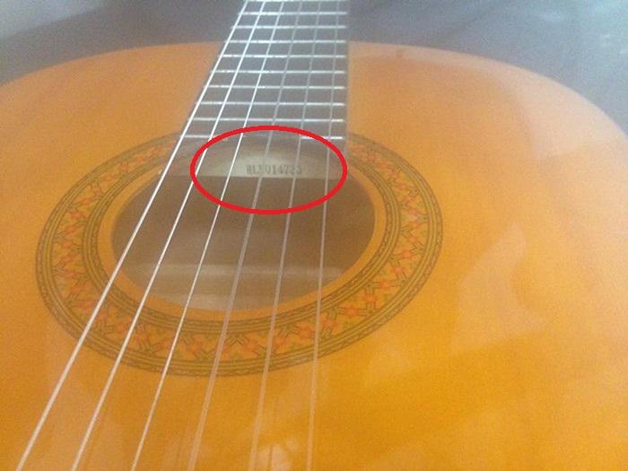 Guitar yamaha chinh hang