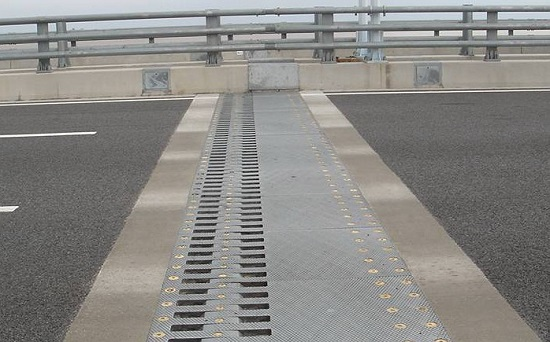 Toothed Expansion Joint