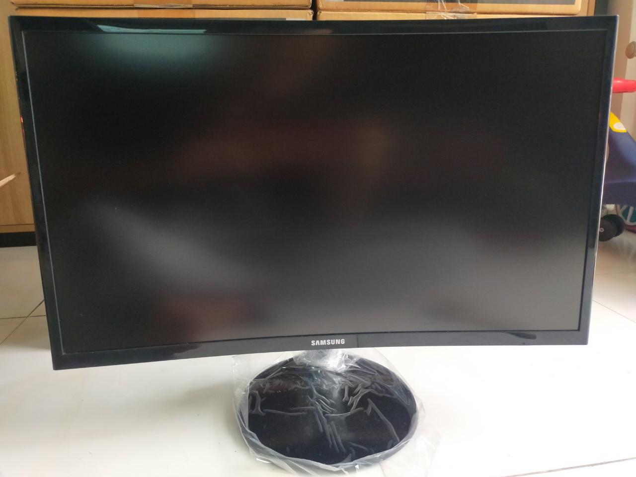 Màn hình Cong Samsung 24