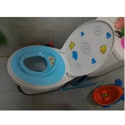 Lót bệ vệ sinh việt nhật cho bé