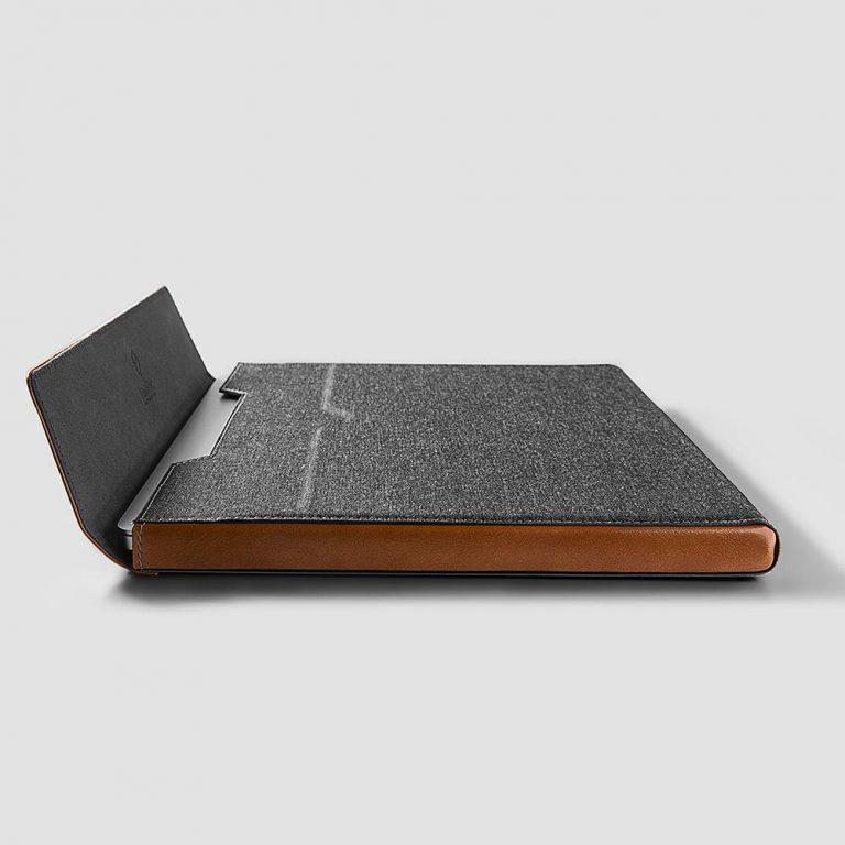 tui-chong-soc-tomtoc-usa-premium-leather