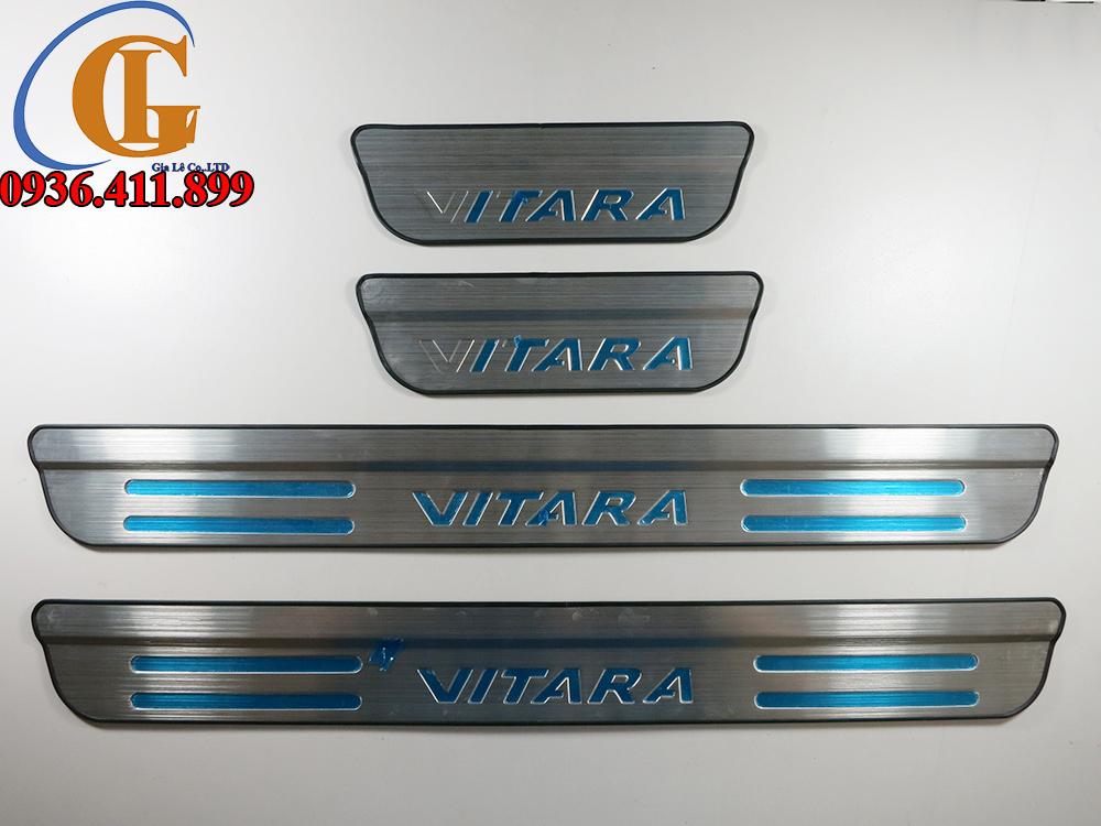 Ốp inox bậc cửa ngoài không led xe Suzuki Vitara