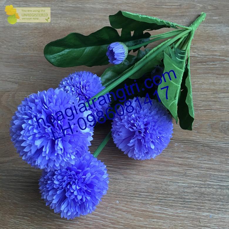 Cành hoa trang trí phòng khách tại Phương Thảo