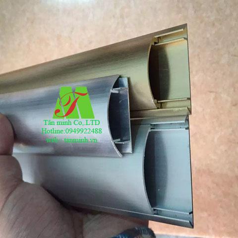 Ghen bán nguyệt nhôm D50x13mm