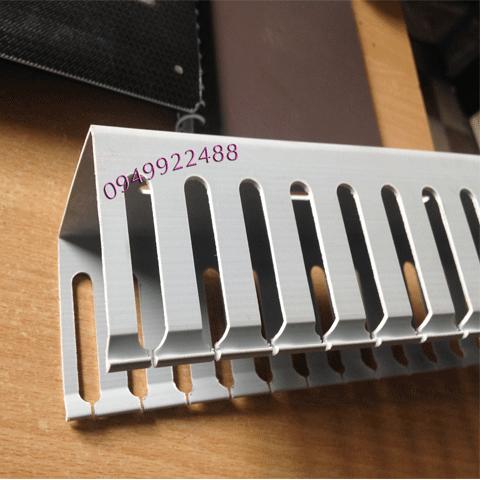 Máng nhựa răng lược 60x80