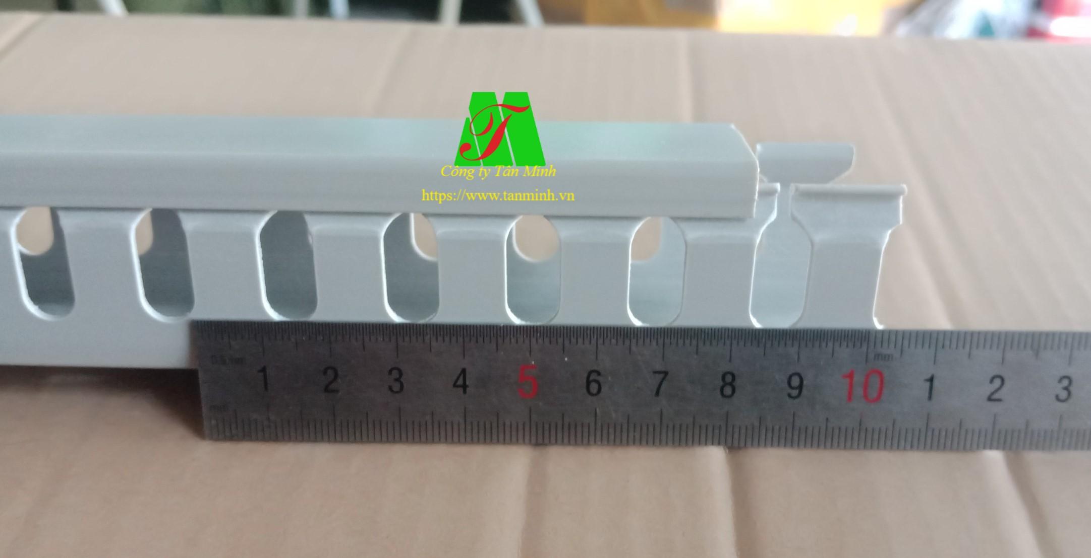 Máng nhựa răng cưa 33x33