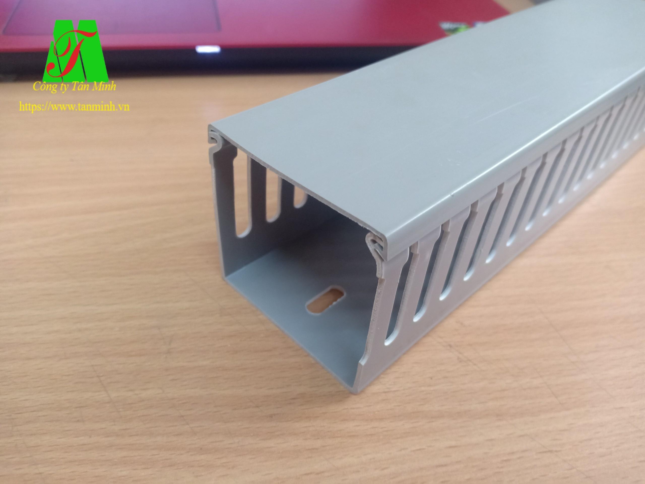 Máng nhựa Tanminh Electric 60x60mm