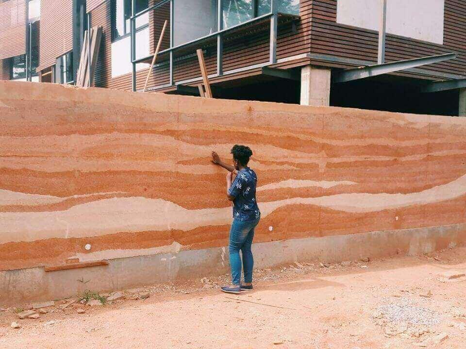 Sắc màu của đất: Những kiệt tác tường đất vĩ đại của Ghana