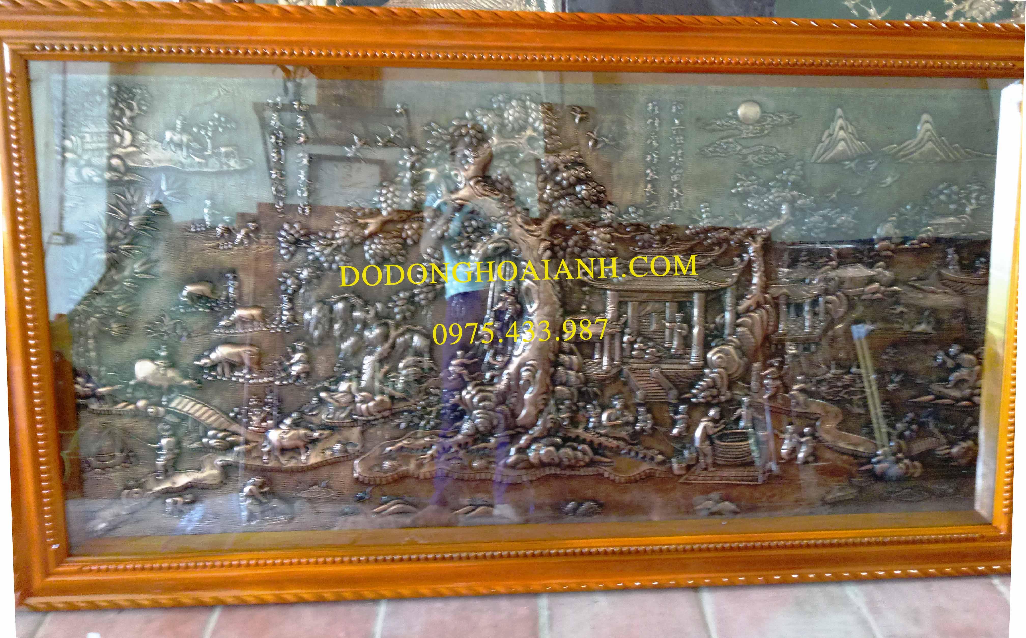Bức tranh đồng đồng quê việt nam giả cổ được cơ sở Hoài Ánh chế tác