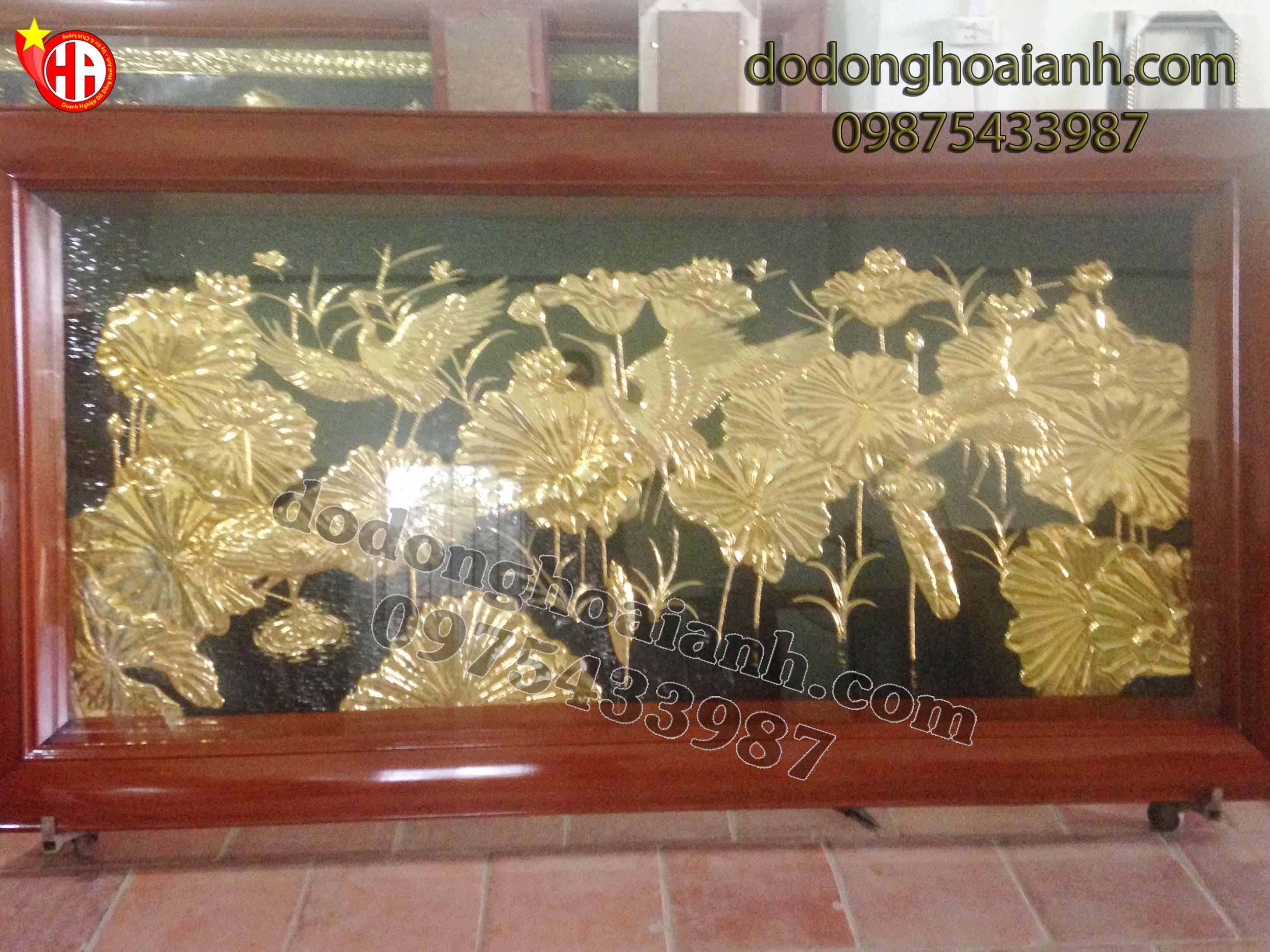Tranh đồng sen hạc mạ vàng - đồ đồng Hoài Ánh