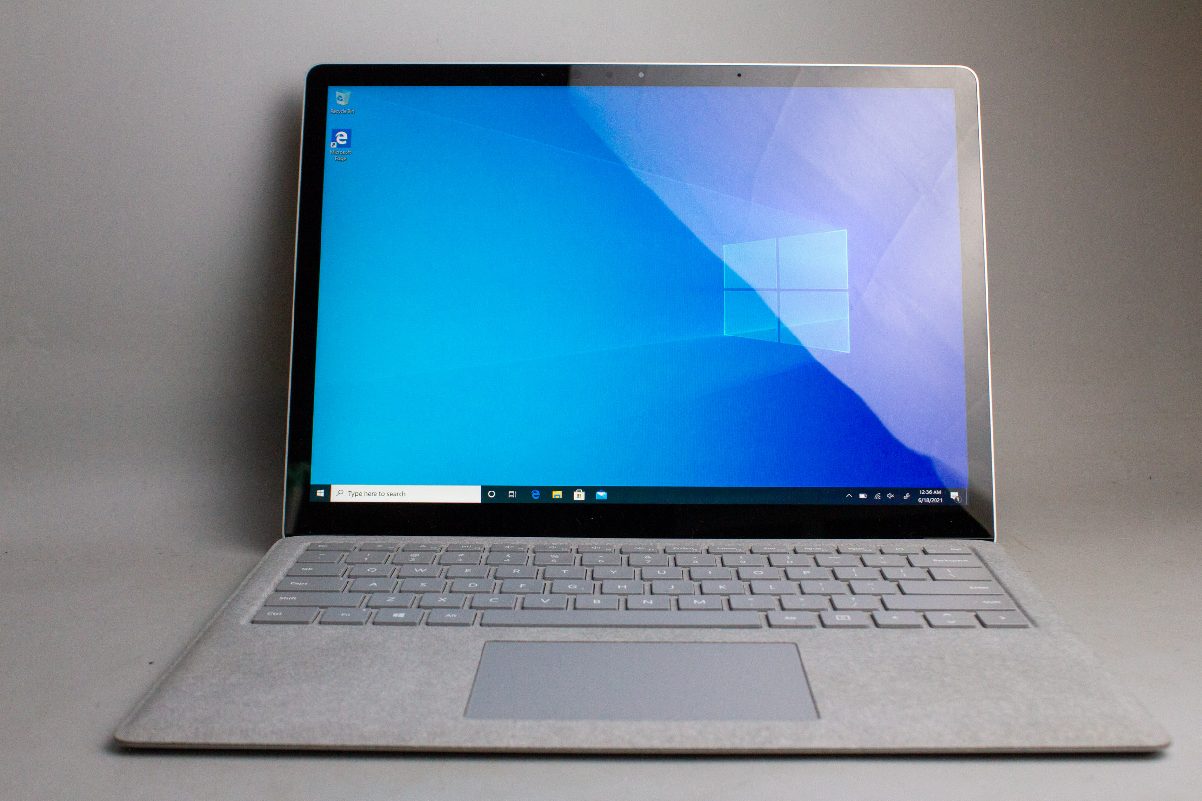 surface-laptop-2-ssd-512gb-core-i7-8650u-ram-16gb-98-18836