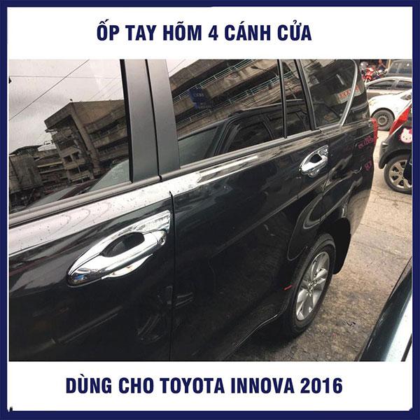 Ốp tay nắm cánh cửa xe Innova