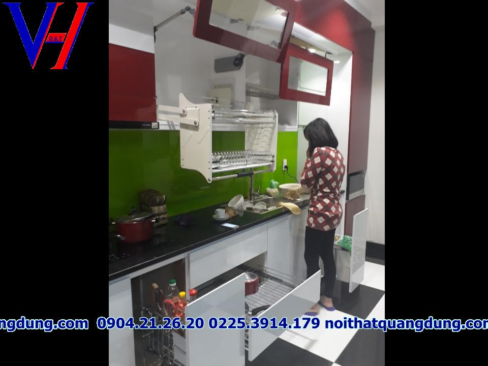 Tủ bếp Acrylic nhà chị Hương