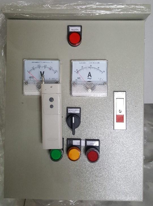 Tủ điều khiển hệ thống bơm bằng Remoter 500m