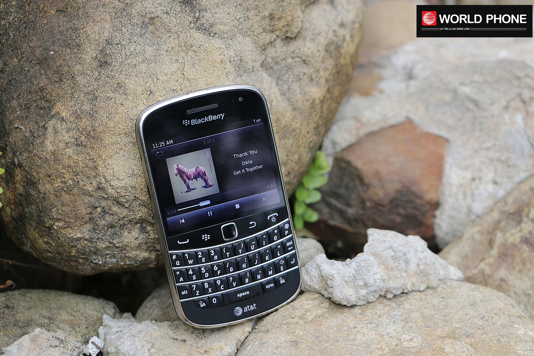 Bàn phím cong vát của BlackBerry Bold 9900
