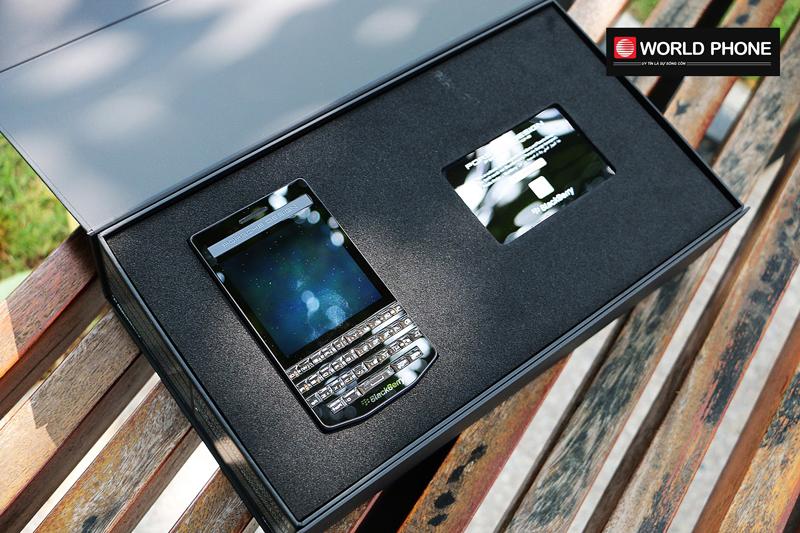 Cận cảnh mở hộp BlackberryPorsche Design P'9983