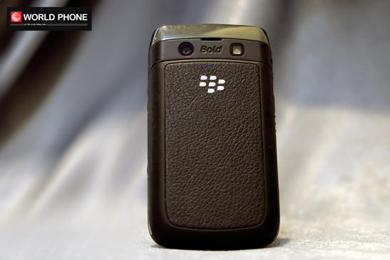 Dáng hình nhỏ gọn của BlackBerry 9780