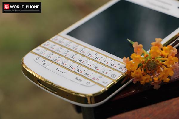 Điện thoại BlackBerry Q10 bản độ Gold