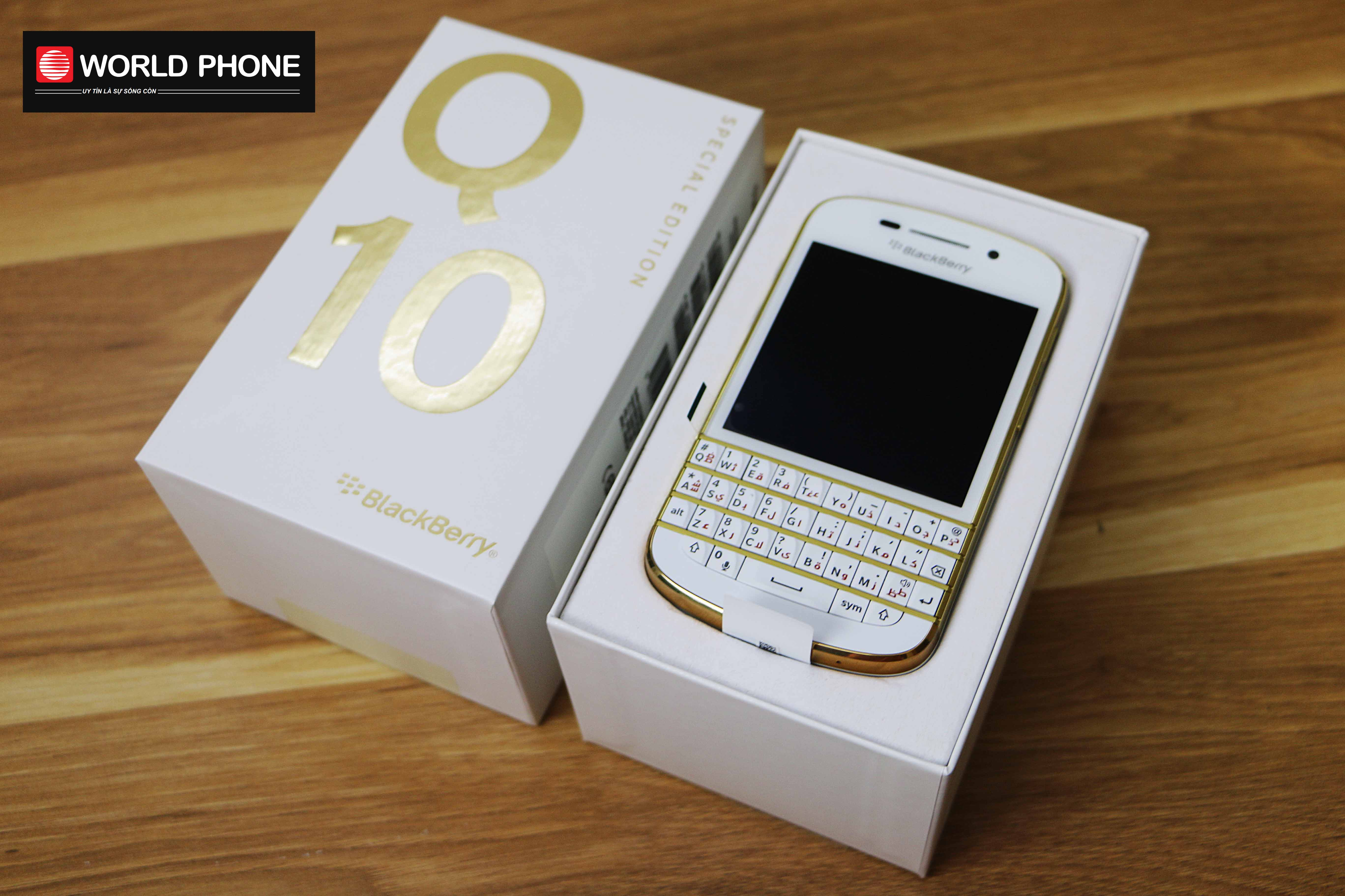 BlackBerry Q10 Gold Special Edition New Fullbox PIN 777