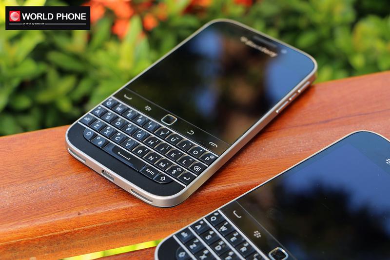 """Blackberry Classic (Q20) được tích hợp bàn phím cứng giống """"người anh em"""" Blackberry Bold 9900"""