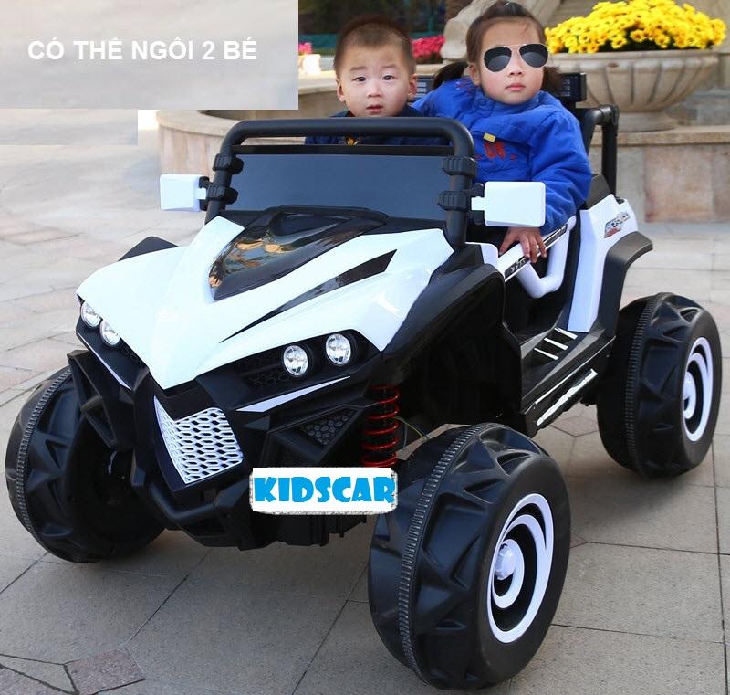 Xe hơi điện trẻ em cá mập 588 thumnail màu trắng 01