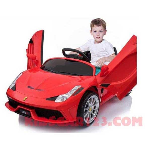 Xe ô tô điện trẻ em kiểu dáng Ferari FC 8858 màu đỏ