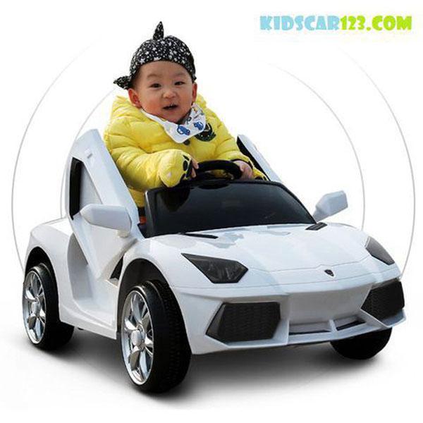 ô tô điện trẻ em BBH 718 màu trắng thumnail