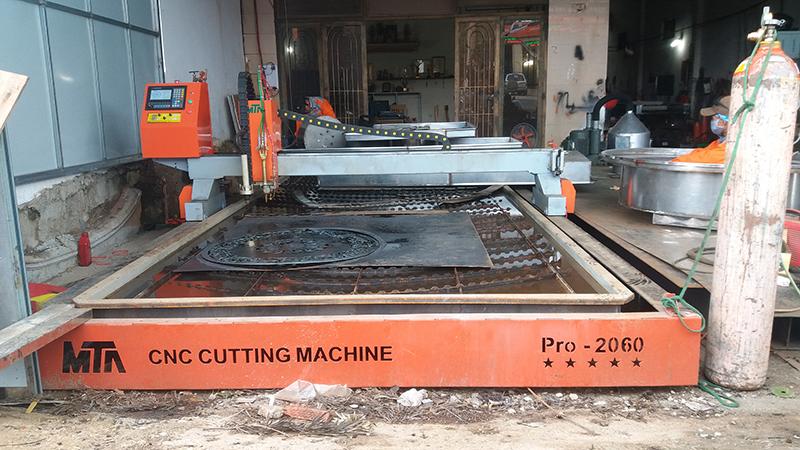 máy cắt cnc kim loại