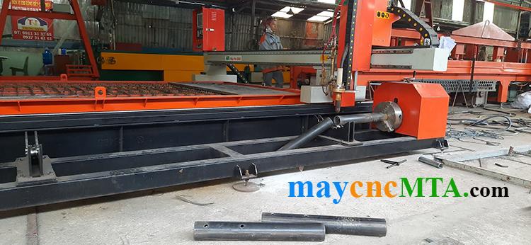 Máy cắt kim loại tấm và ống