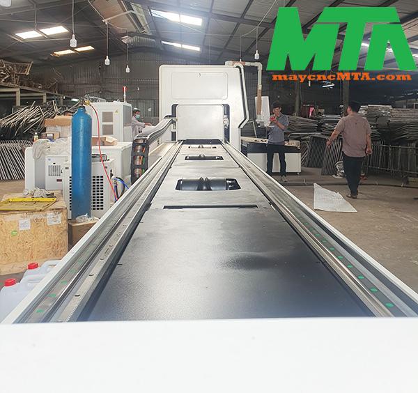 máy laser fiber cắt ống