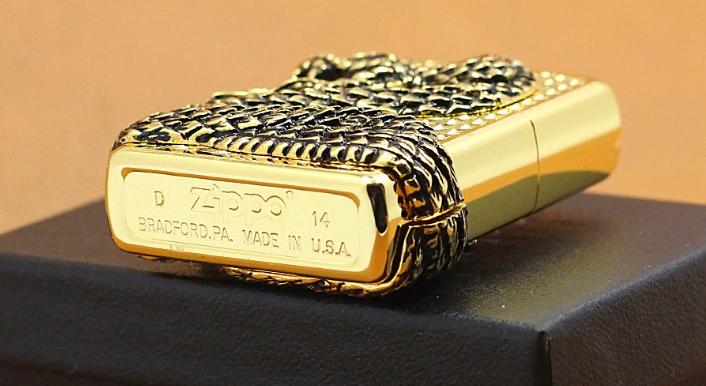 Zippo rắn quấn quanh mạ vàng xuất xứ usa