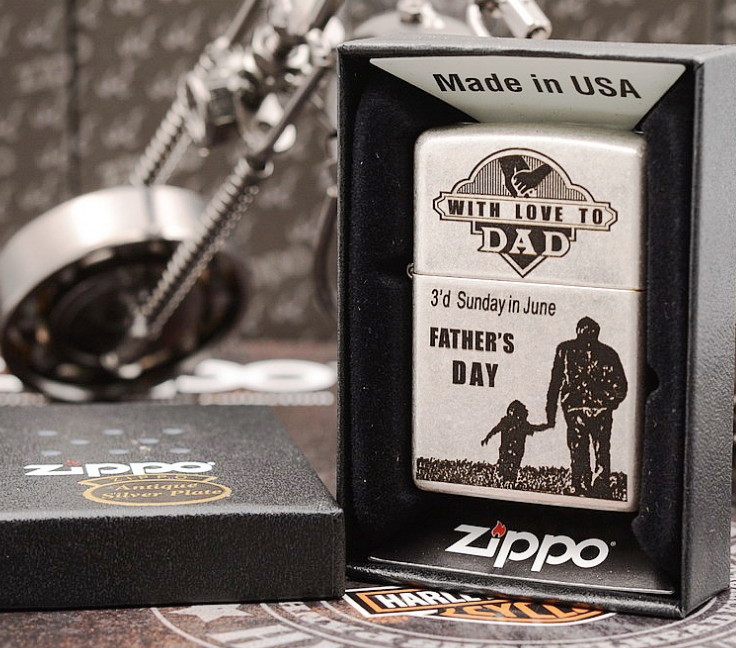 Zippo With Love To Dad bạc giả cổ