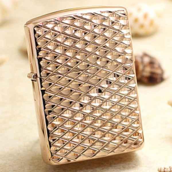 bật lửa zippo chạm khắc kim cương vàng hồng