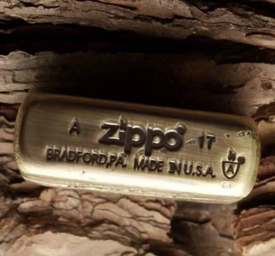 đáy Zippo vết chém khoét sâu đồng khối dày