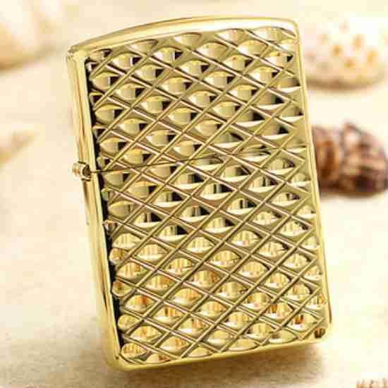 Bật lửa zippo mạ vàng kim cương