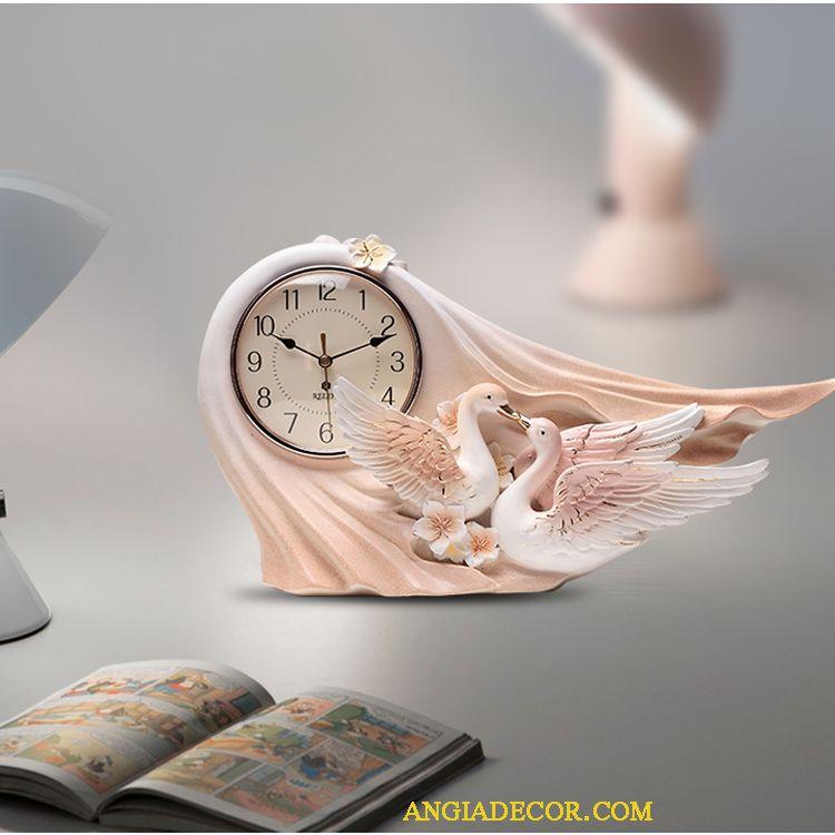 mẫu đồng hồ để bàn đẹp