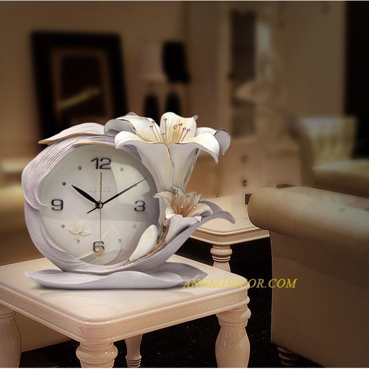 đồng hồ cổ để bàn độc đáo