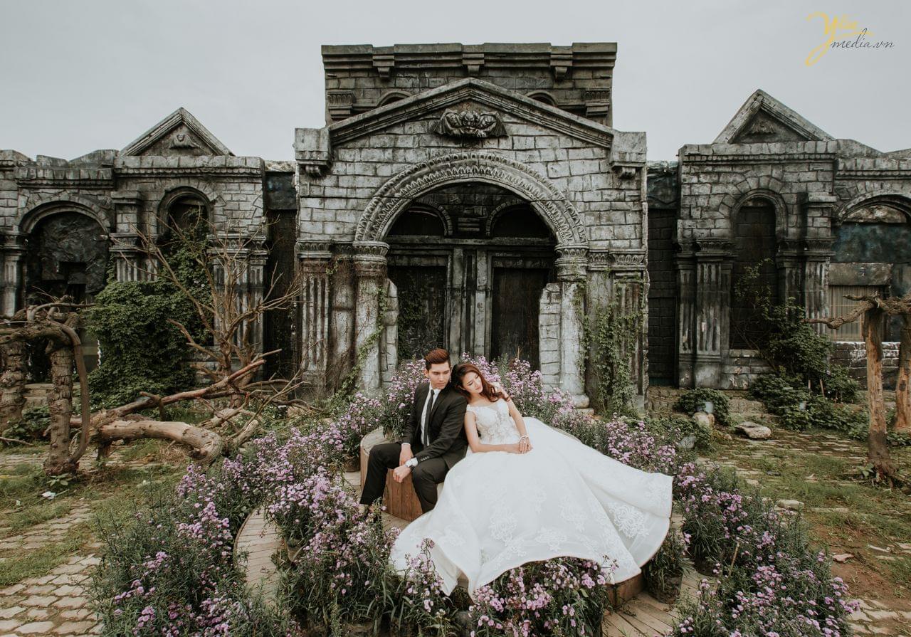 ảnh cưới chụp concept thành cổ thảo nguyên hoa long biên