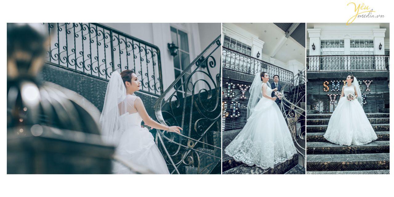 cô dâu bước lên cầu thang như công chúa
