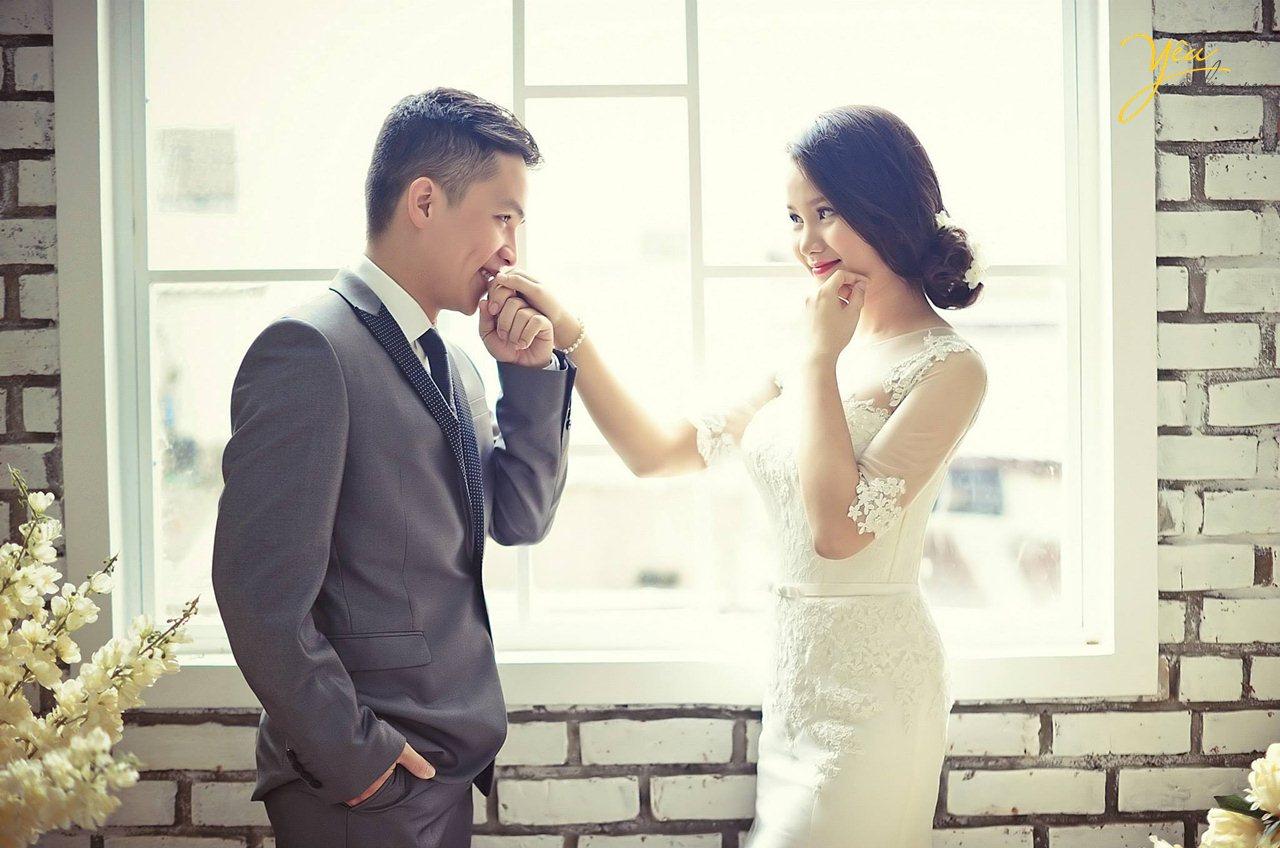 Làm gì khi bạn bè cưới hết rồi