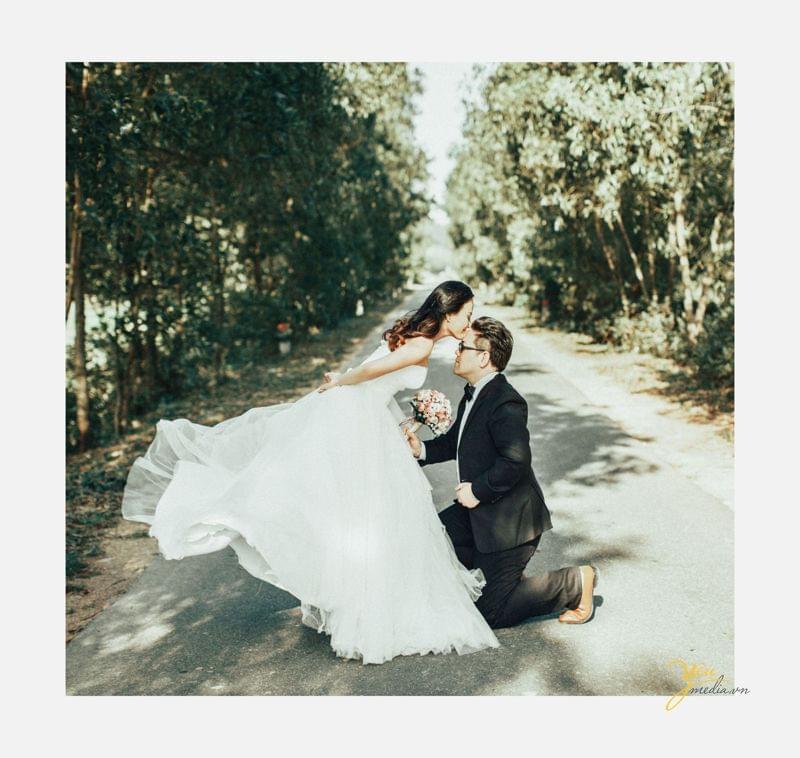 Bạn thân kết hôn