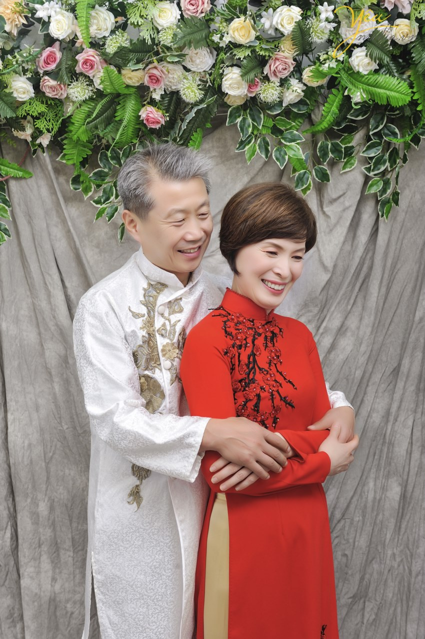 how much take picture with ao dai traditional dress viet nam