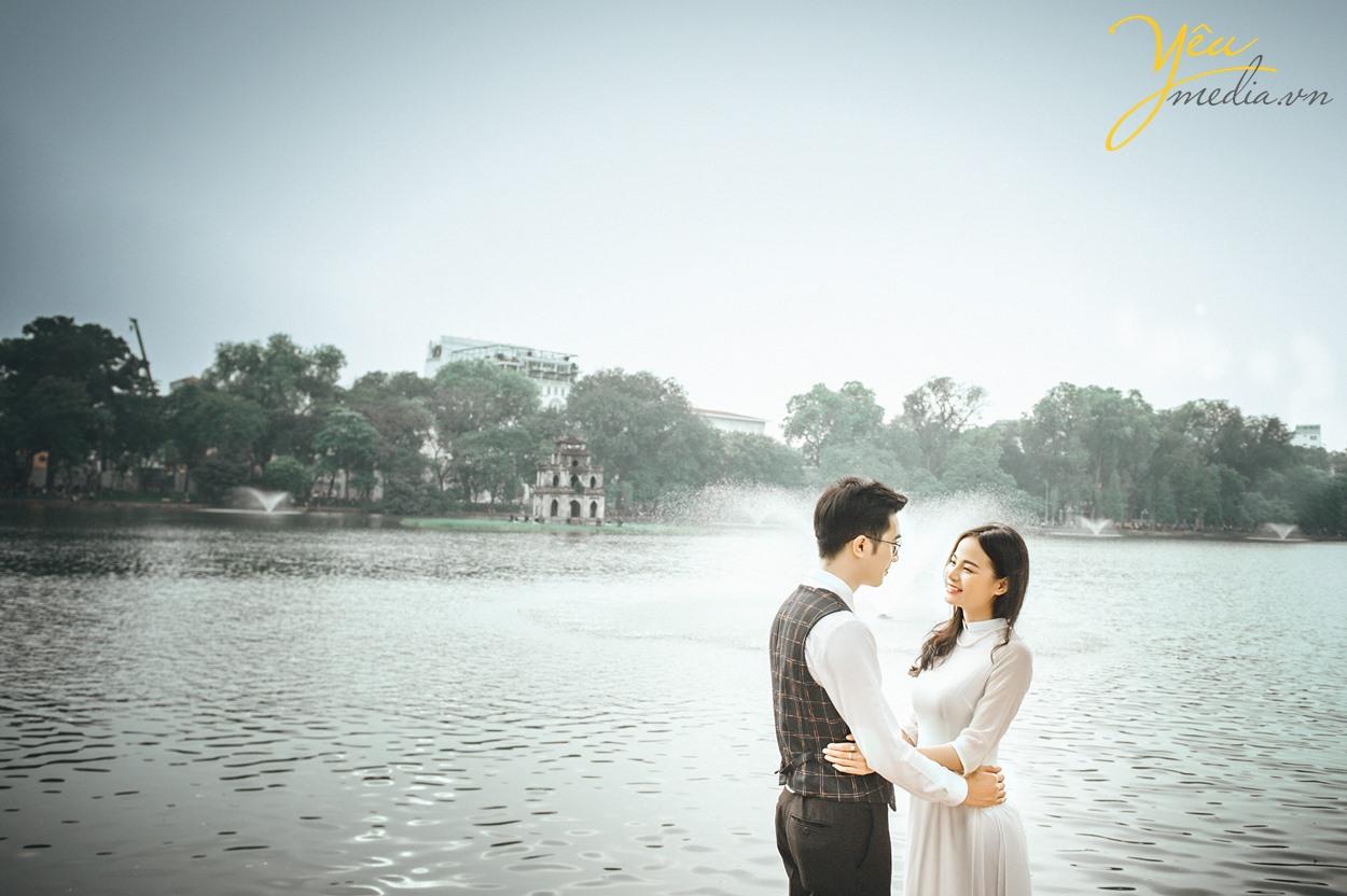 chụp ảnh cưới đẹp ở hồ gươm hồ hoàn kiếm hà nội