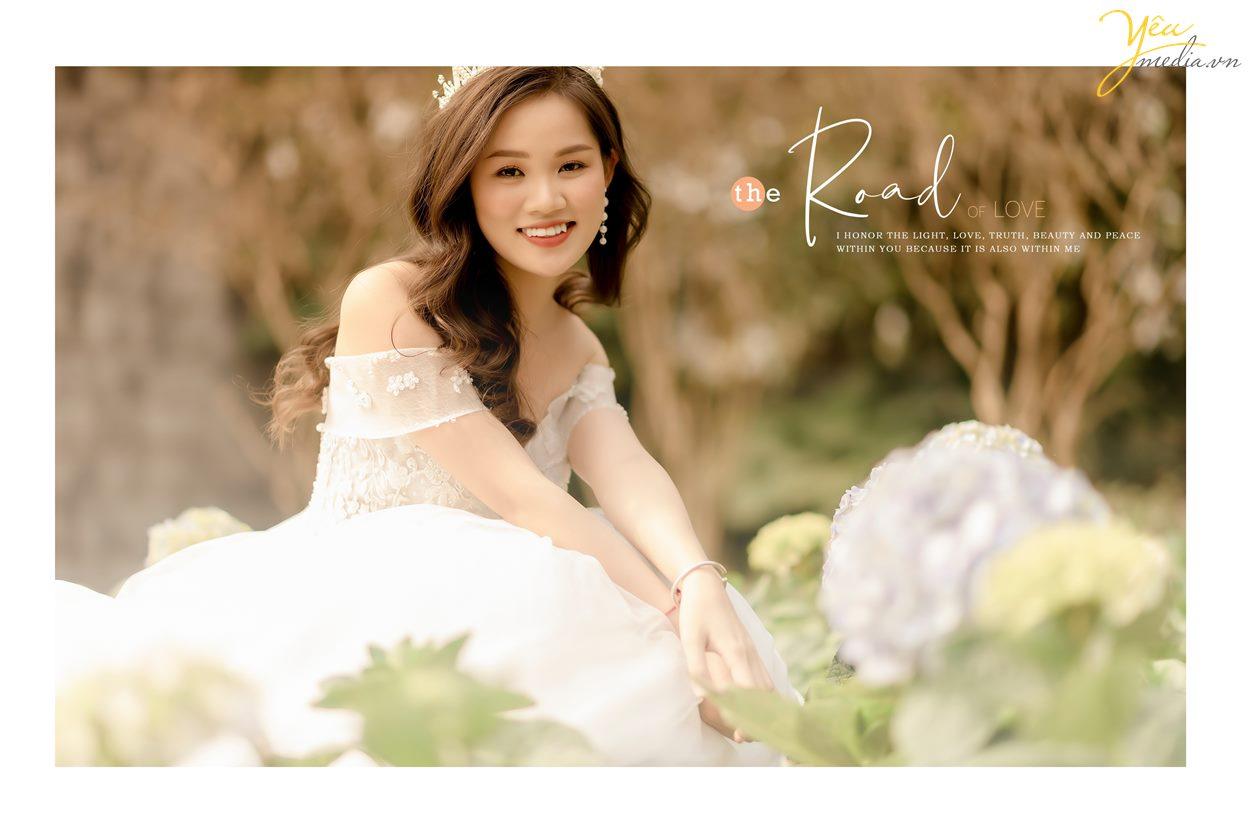 Album hình cưới đẹp chụp ở Thảo nguyên hoa và cầu Long Biên màu đẹp wedding trong vắt hàn quốc