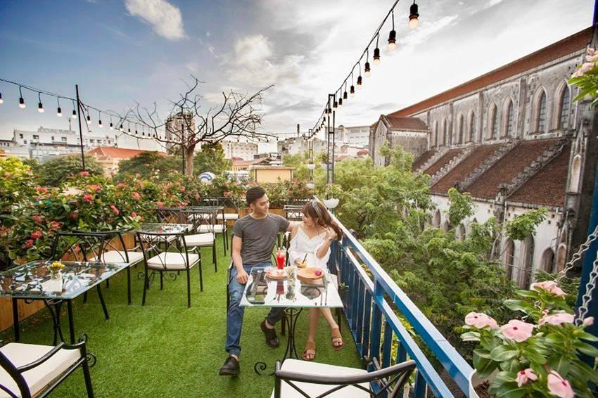 chụp ảnh cưới trên sân thượng