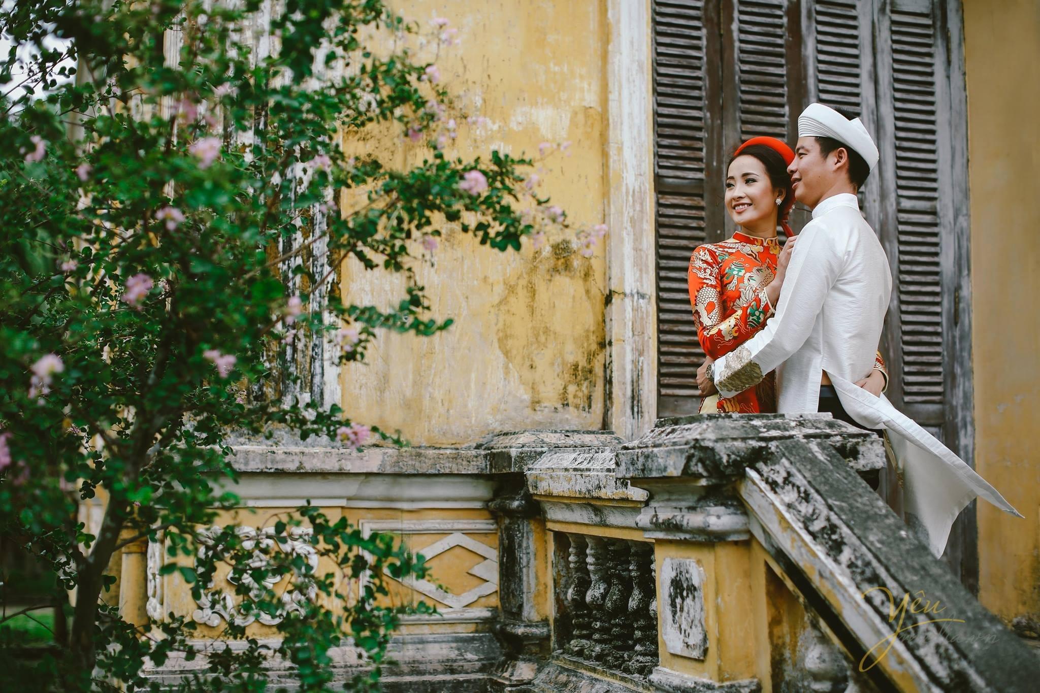 ảnh cưới trang phục áo dài cổ truyền chụp tại đại nội huế